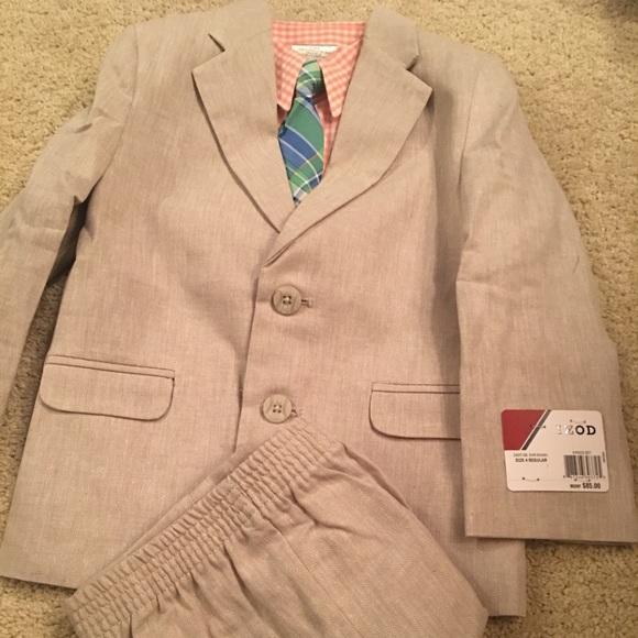 IZOD Brand Suit in Tan and Orange